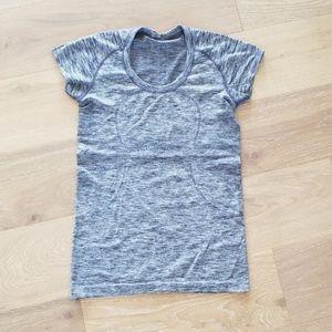 Like New Lululemon Short Sleeve Swiftly size 8